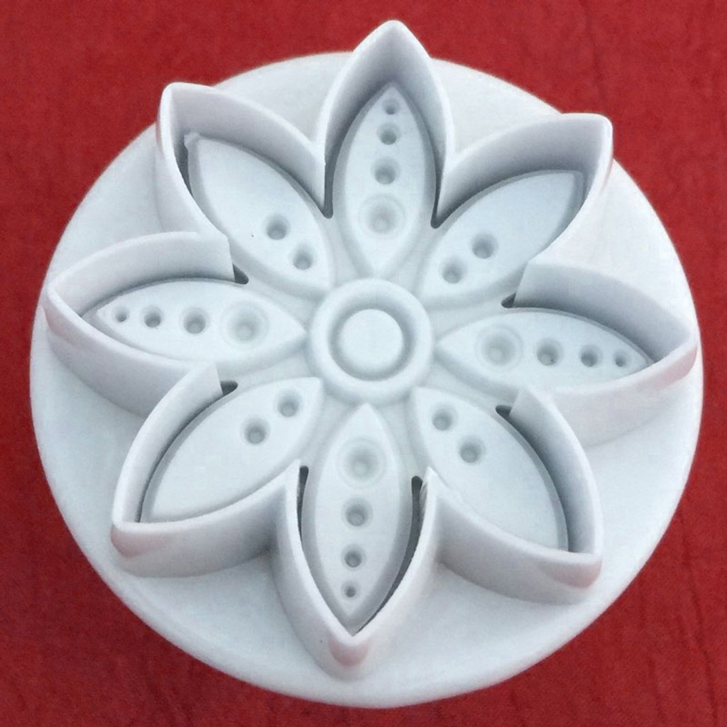 Embossing Spotted Flower Cutters 5 piece set