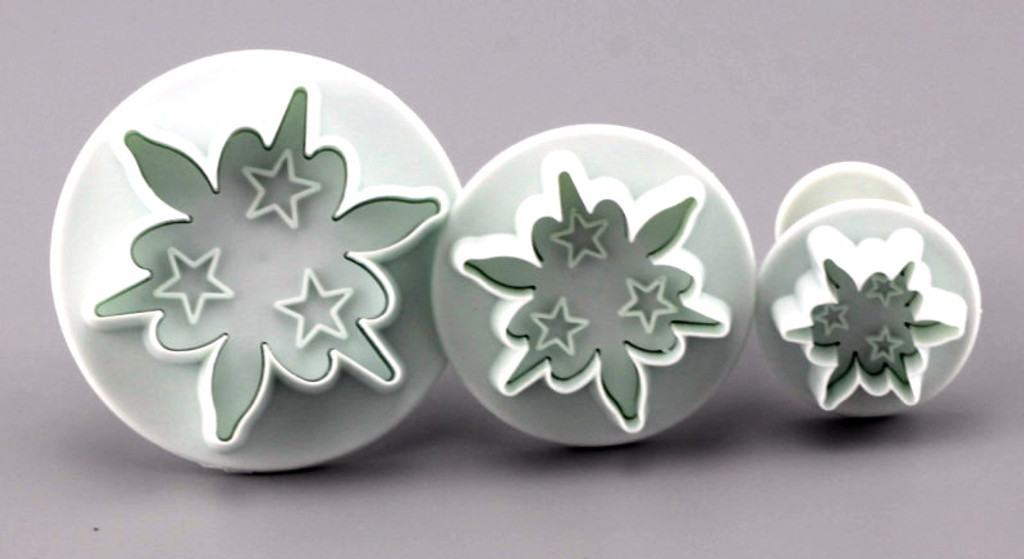 Embossing Star Flower Cutters set of 3