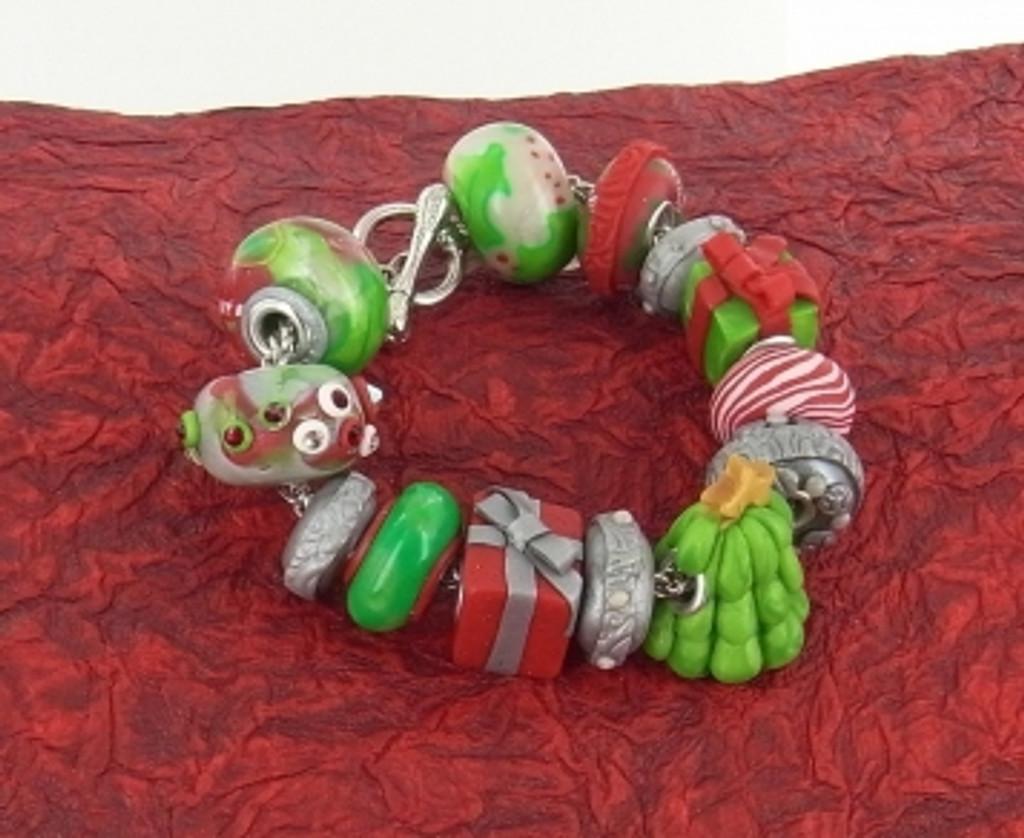 Premo! Sculpey® Christmas Bead Core Bracelet Tutorial Freebie