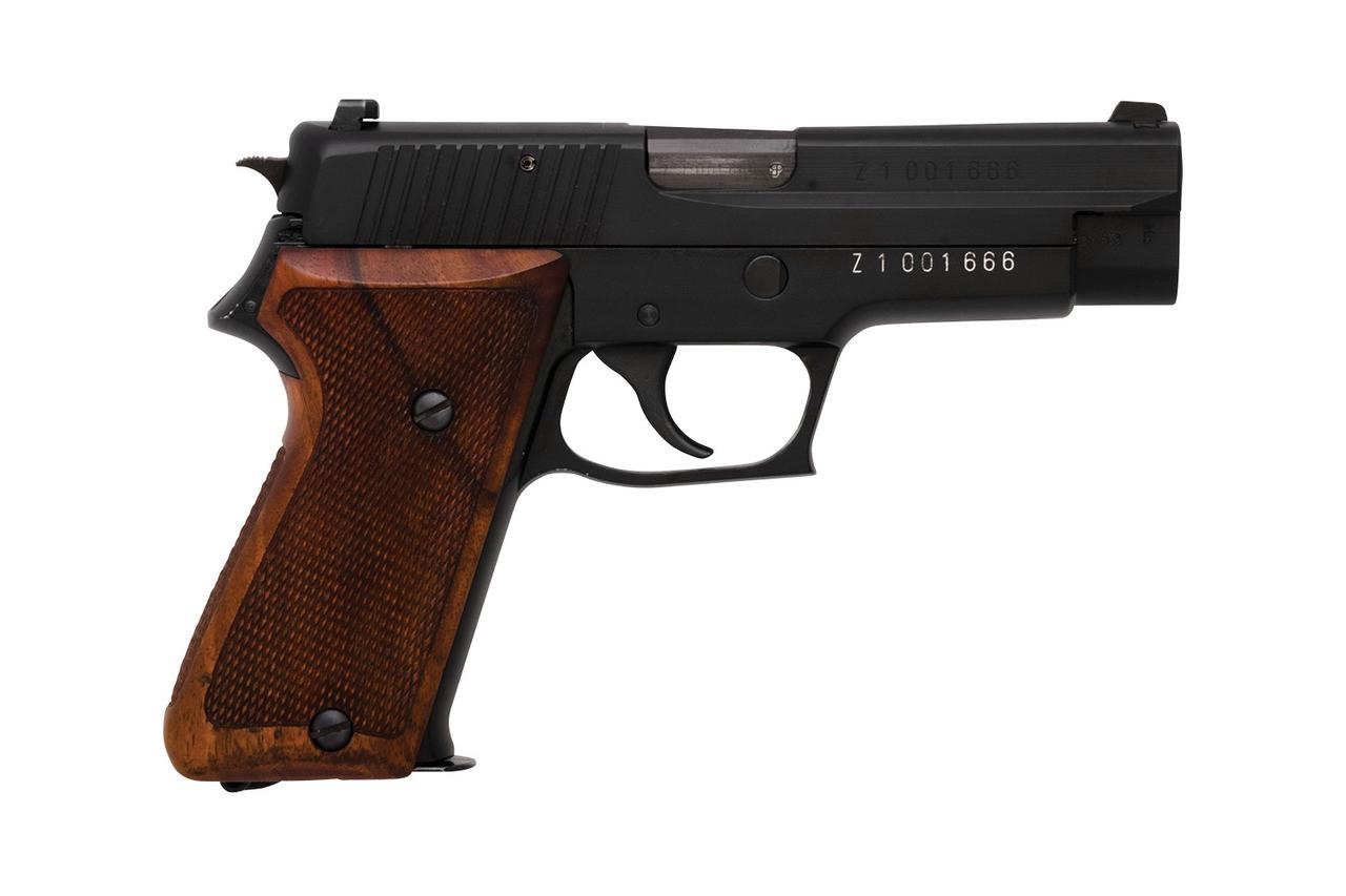 SIG Swiss Customs P220 w/ Two Spare Mags - sn Z100xxxx