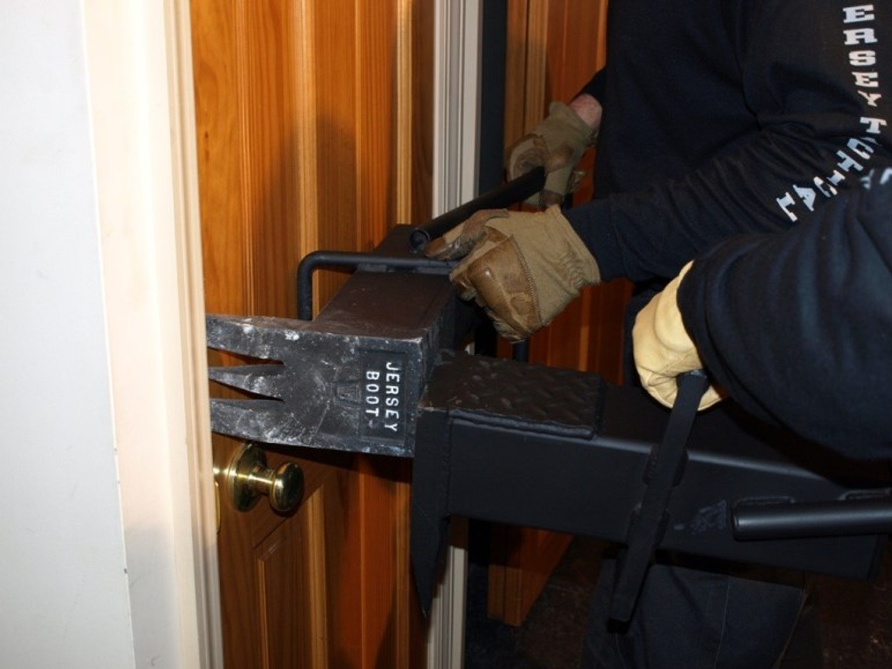 Jersey Tactical JB 1009-1 Jersey Boot Forcible Entry Tool is engineered to pry open virtually any door including Class 3 steel doors with a steel jamb installed in block or concrete.