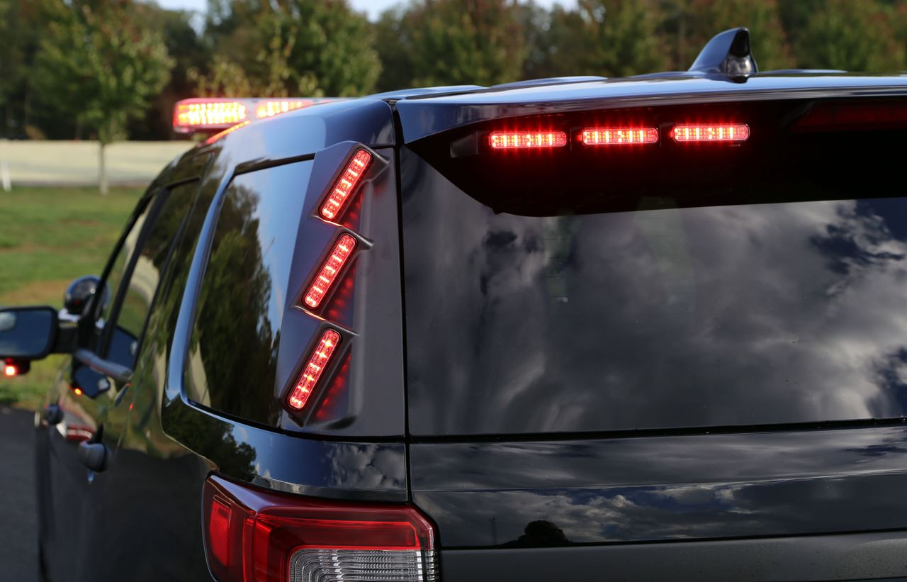 Whelen Outer Edge® Dodge Durango 2019-2020 Rear Pillar Exterior Vertical Mount Light Bar, DUO or TRIO ION™ Super-LED®, RPWD44 or RPWT44