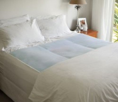 `- 4 layer protection - Reusable, machine washable - Size 135 x 100cm - Absorbency level: 2.5L