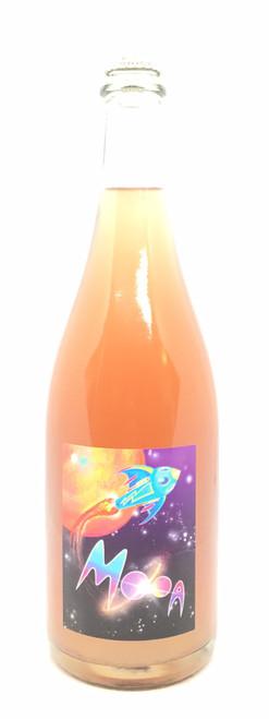 Mooa Wine, Ground control to Major Tom