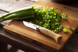 From whittling to slicing green onions...Man this No.8 is versatile!