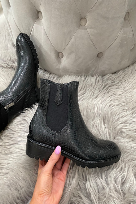 Caterina Black Chelsea Boots.