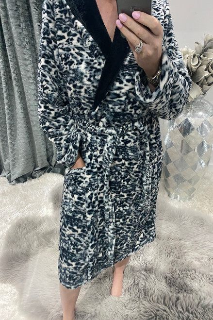 Lux Leopard Fluffy Dressing Gown