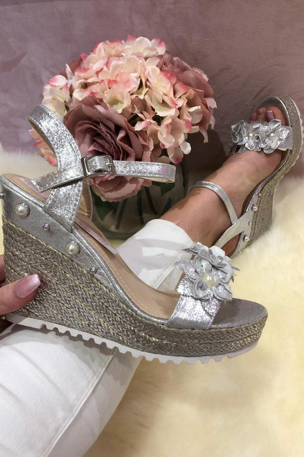Salenro Silver Shimmer Studded Wedges