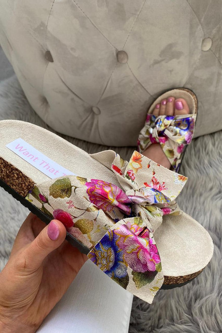 Cream Floral Bow Sliders