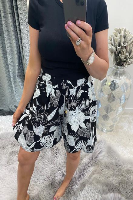 Cally Black leaf  Shorts