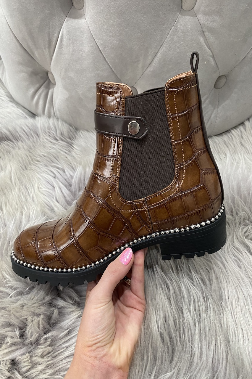 Rossy Tan Studded Chelsea Boots