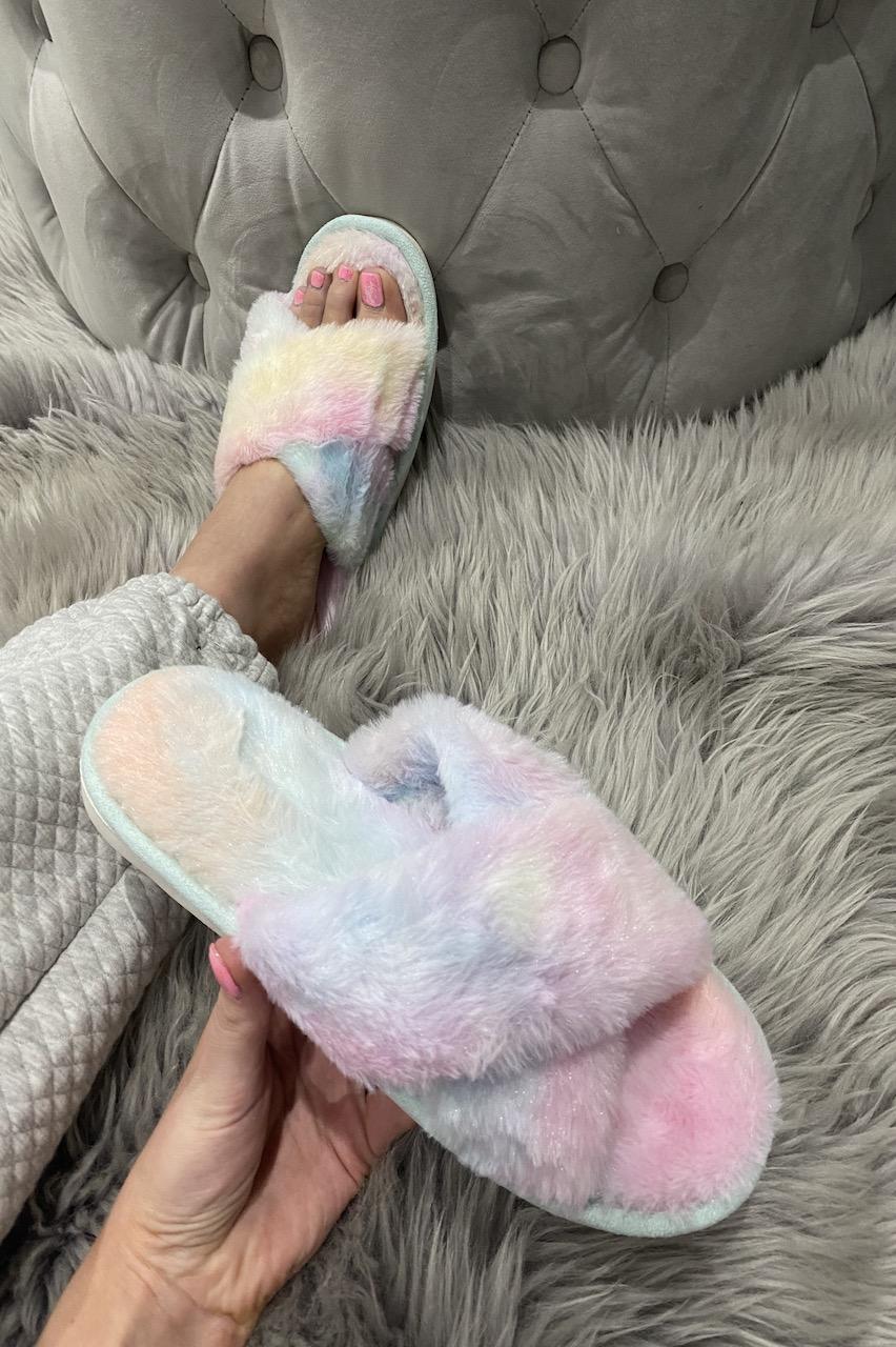 Multicolour Ombre Cross Strap Fluffy Slippers