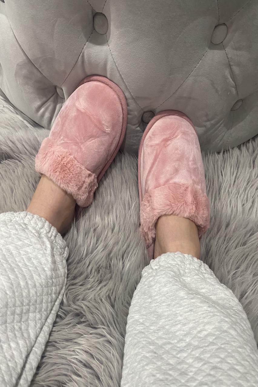 Classic Pink Fluffy Slippers