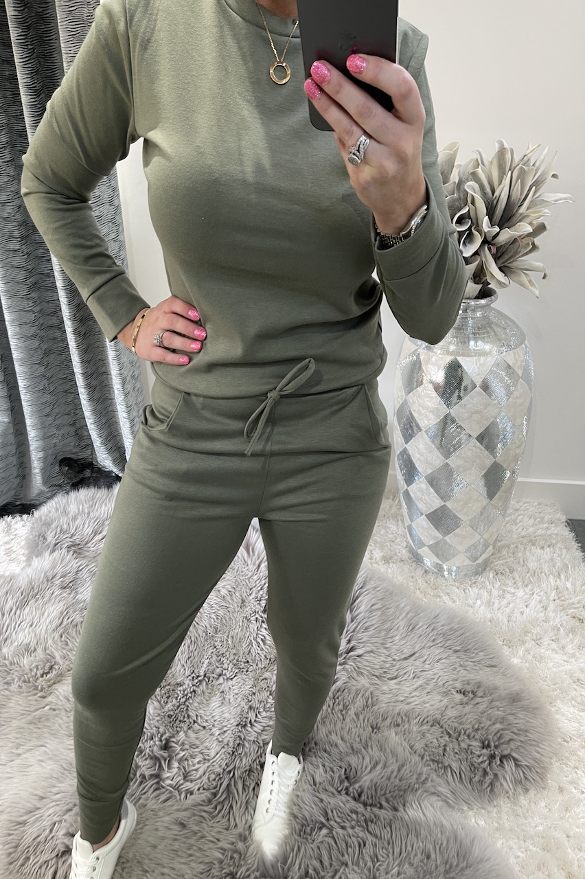 Khaki Must Have Loungesuit