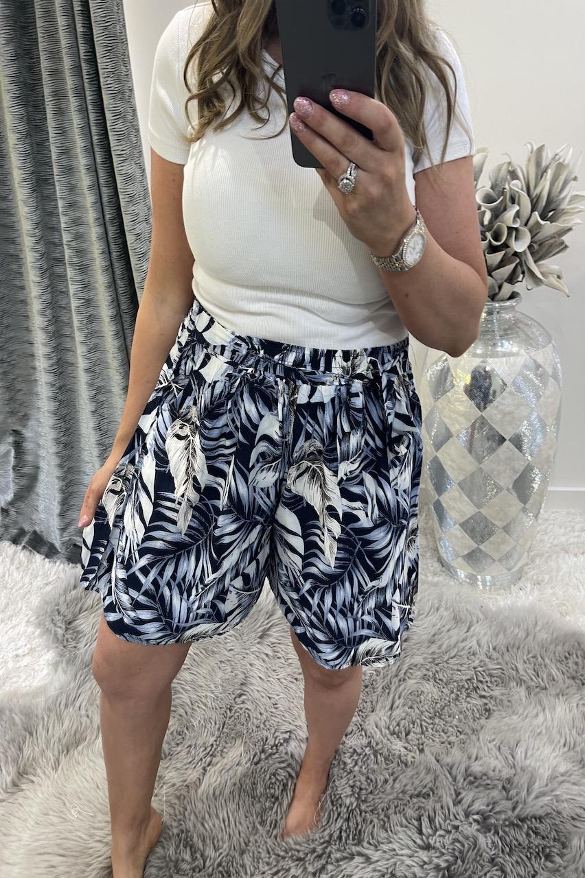 Clarita Navy Floral Shorts