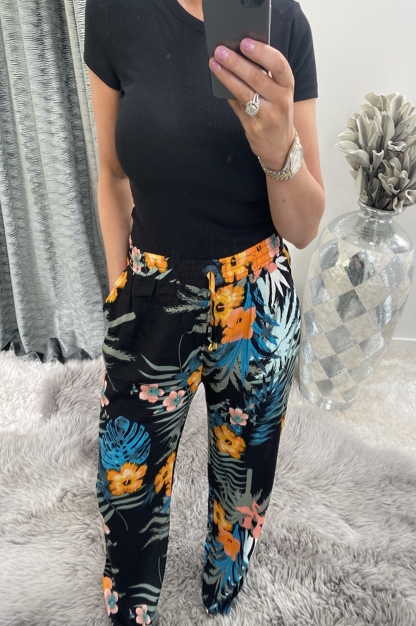 Black Randez Relaxed Elasticated Trousers