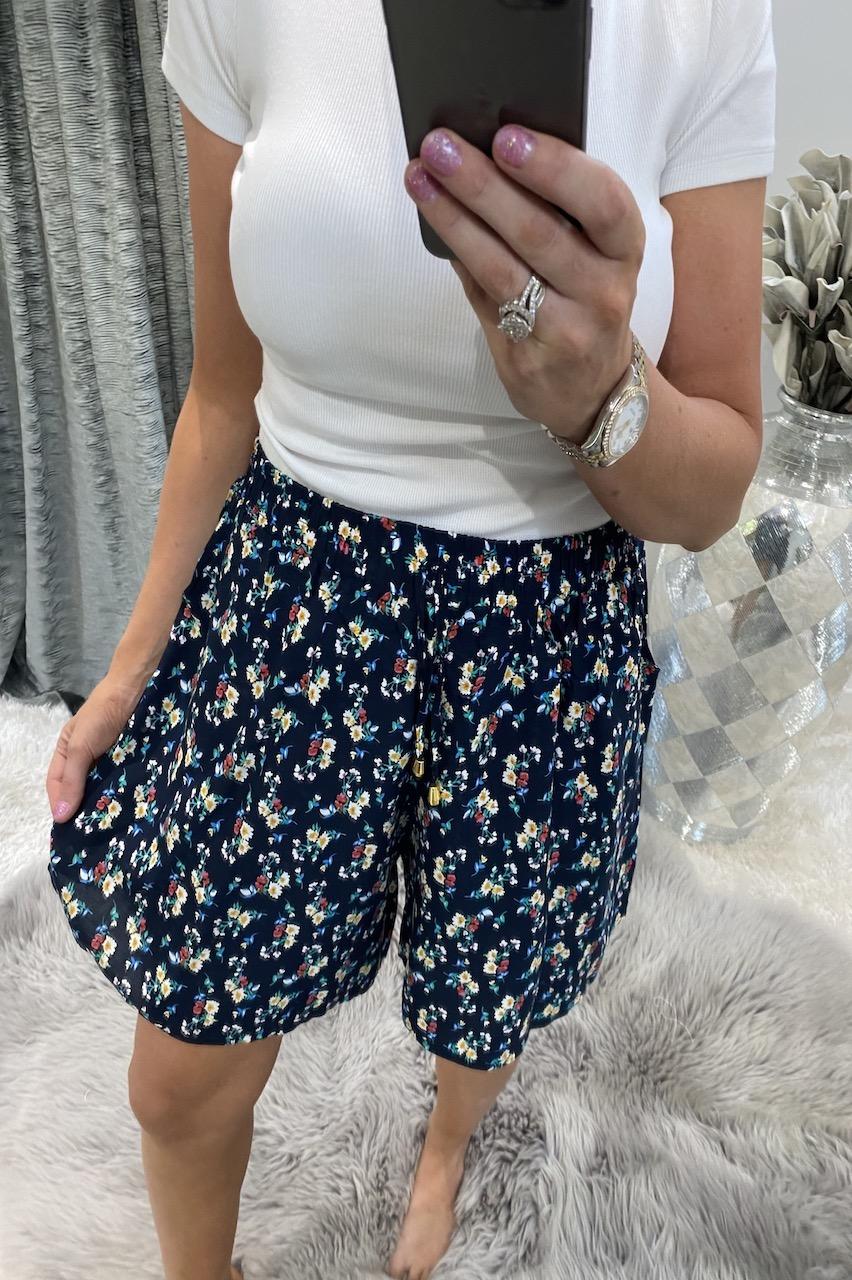 Albelia Navy Floral  Shorts