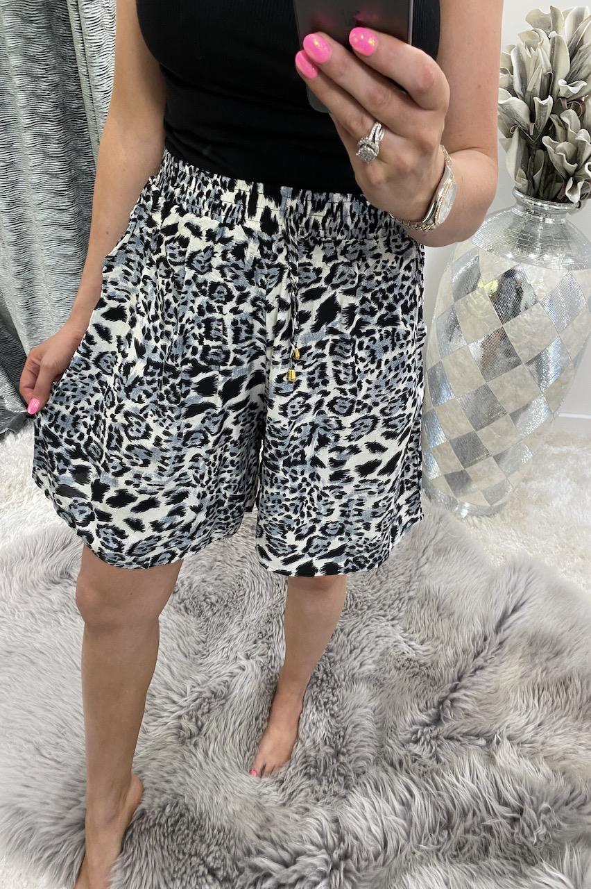 Nancy Grey Leopard Shorts