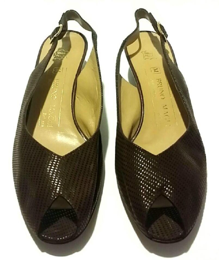 ea7315dfd10 Bruno Magli Brown Leather Peep Toe Sling Back Low Heels - Size US 6.5B ...