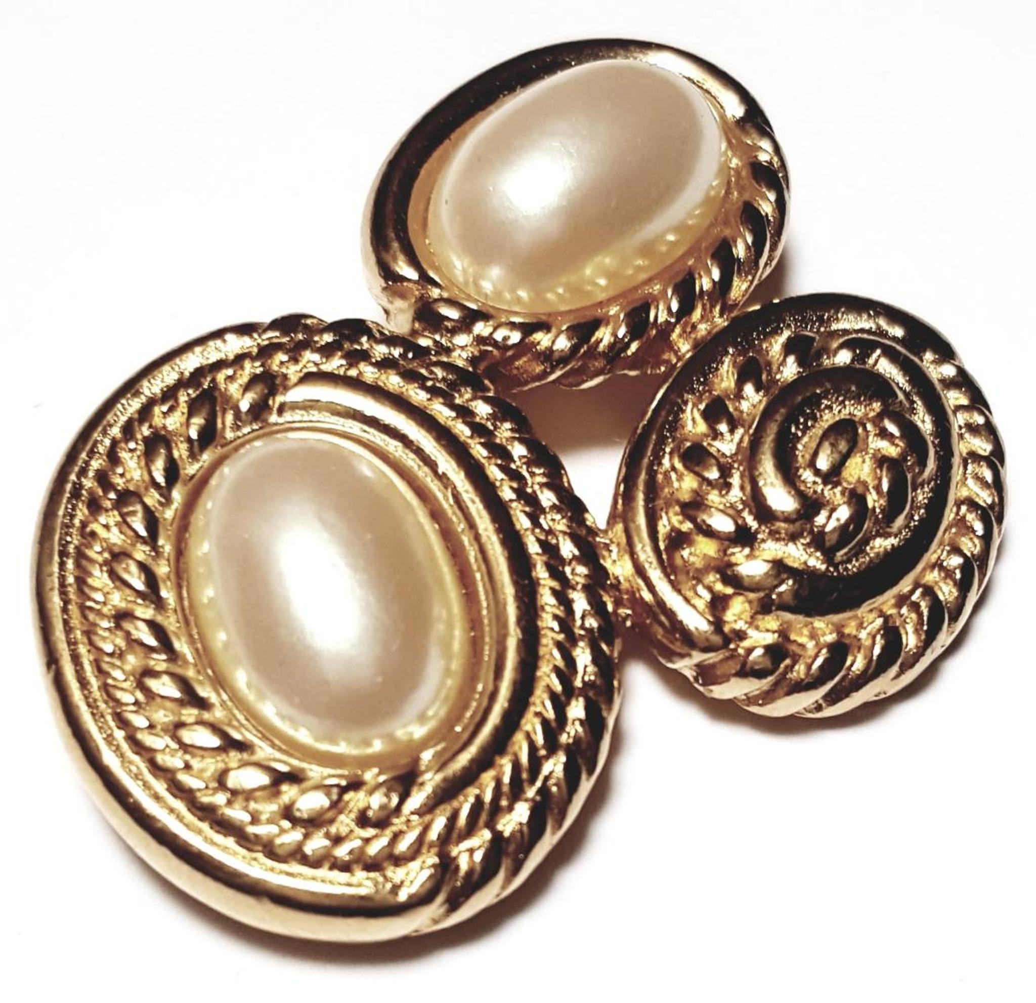 Richelieu Faux Pearl Gold Tone Statement Brooch Vintage