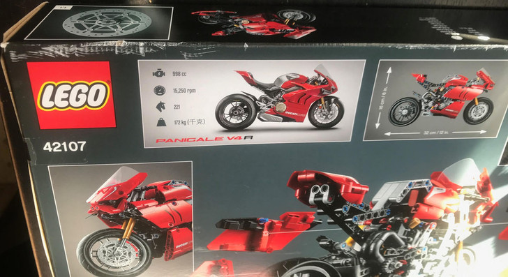 LEGO Technic Ducati Panigale V4 R 42107 - DISCOUNTED LIGHTLY SCUFFED BOX