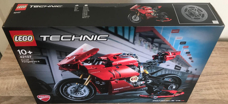 LEGO Technic Ducati Panigale V4 R 42107 - DISCOUNTED LIGHTLY CREASED BOX