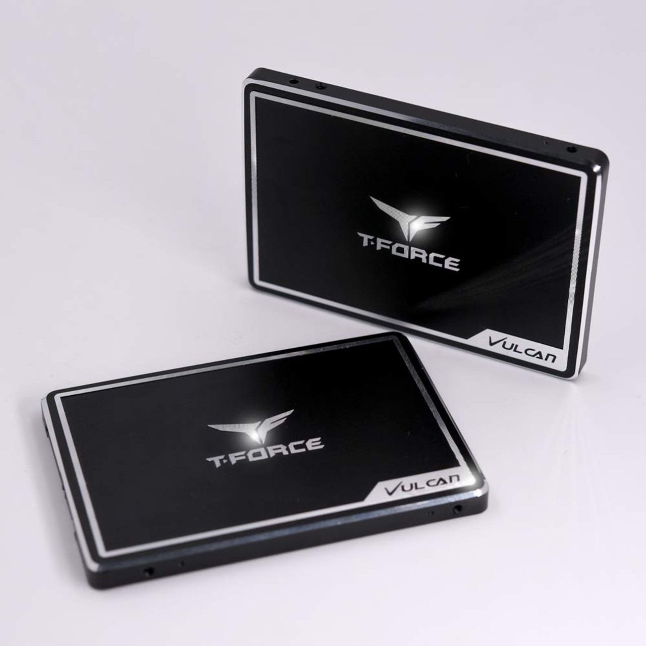 TEAMGRTEAMGROUP T-Force Vulcan 250GB 2.5 inch SATA III 3D NAND Internal Solid State Drive SSD - T253TV250G3C301UP T-Force Vulcan 250GB 2.5 inch SATA III 3D NAND Internal Solid State Drive SSD - T253TV250G3C301