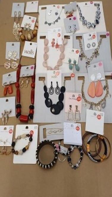 Ex chain store Mixed Jewellery from Dorothy Perkins, Miss Selfridges, Topshop, Wallis, Topman etc