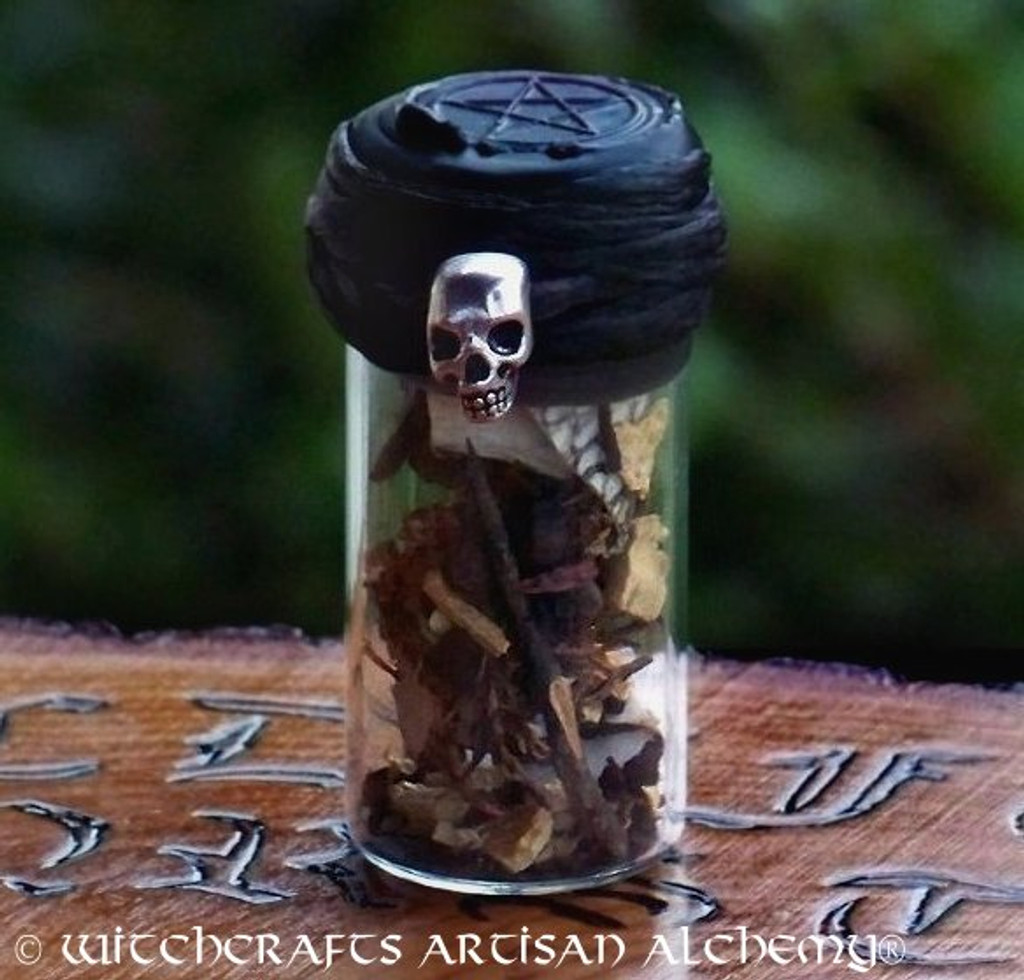 "WITCH'S SHIELD Skull ""Zauber Der Völva"" Charmed Witch Bottle"