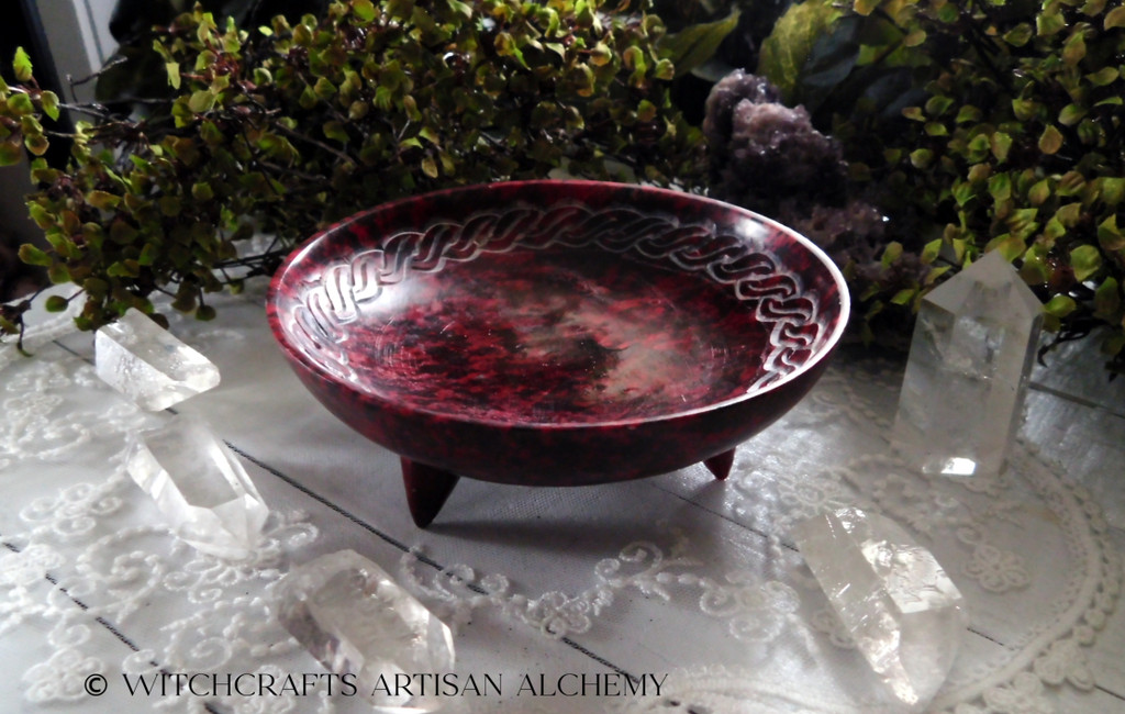 KELTEN Bordeaux Red Celtic Knot Smudge Offering Bowl