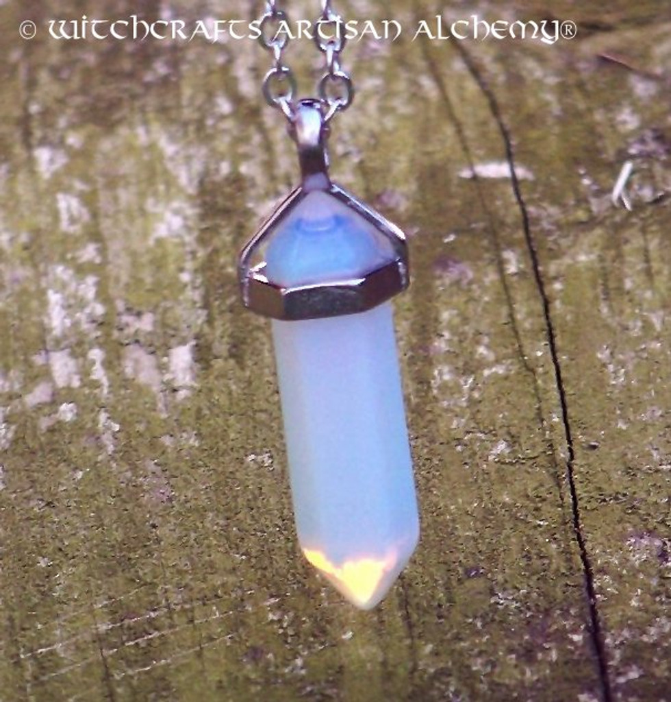 AGATE MOONSTONE Pendant Point Necklace