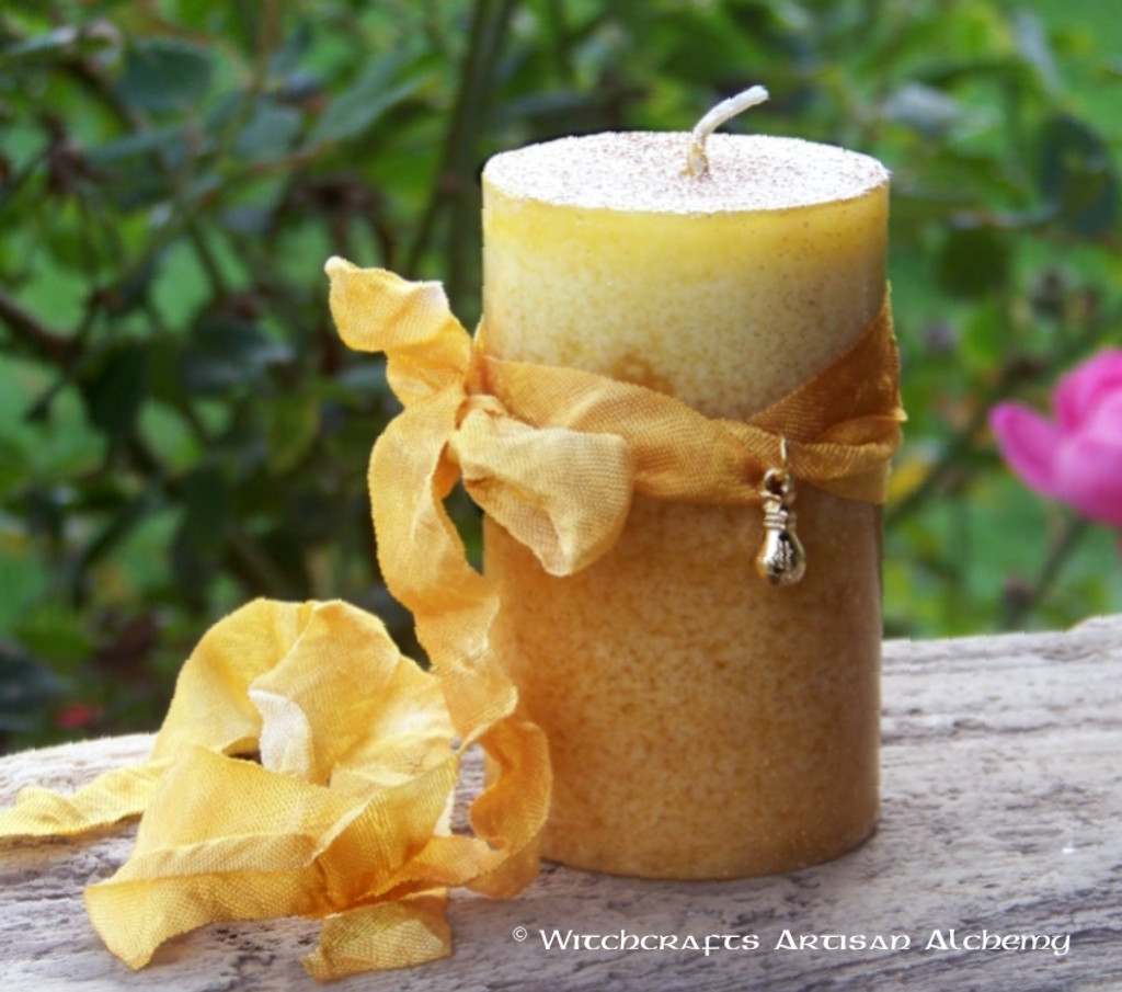 """ABUNDANTIA 14K Gold Plated Money Bags Charmed """"Old European Witchcraft"""" Pillar Candle"""