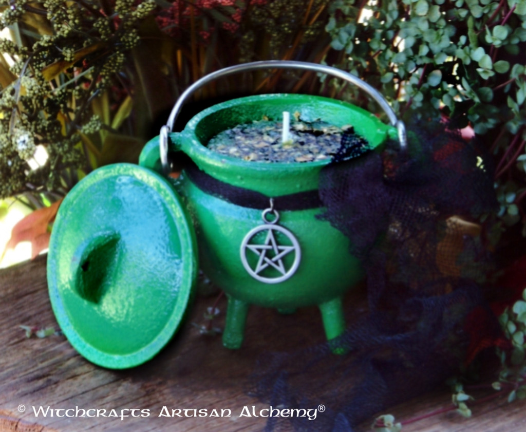 "GREEN WITCH ""Old European Witchcraft"" Cauldron Candle"