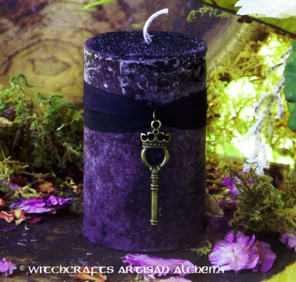 """HEKATE LIMINAL RITES Witch Queen Key to the Crossroads """"Old European Witchcraft"""" Pillar Candle"""