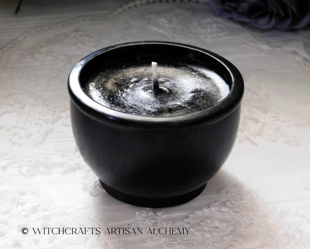 BLACK CAULDRON BREW Stone Scrying Bowl Candle