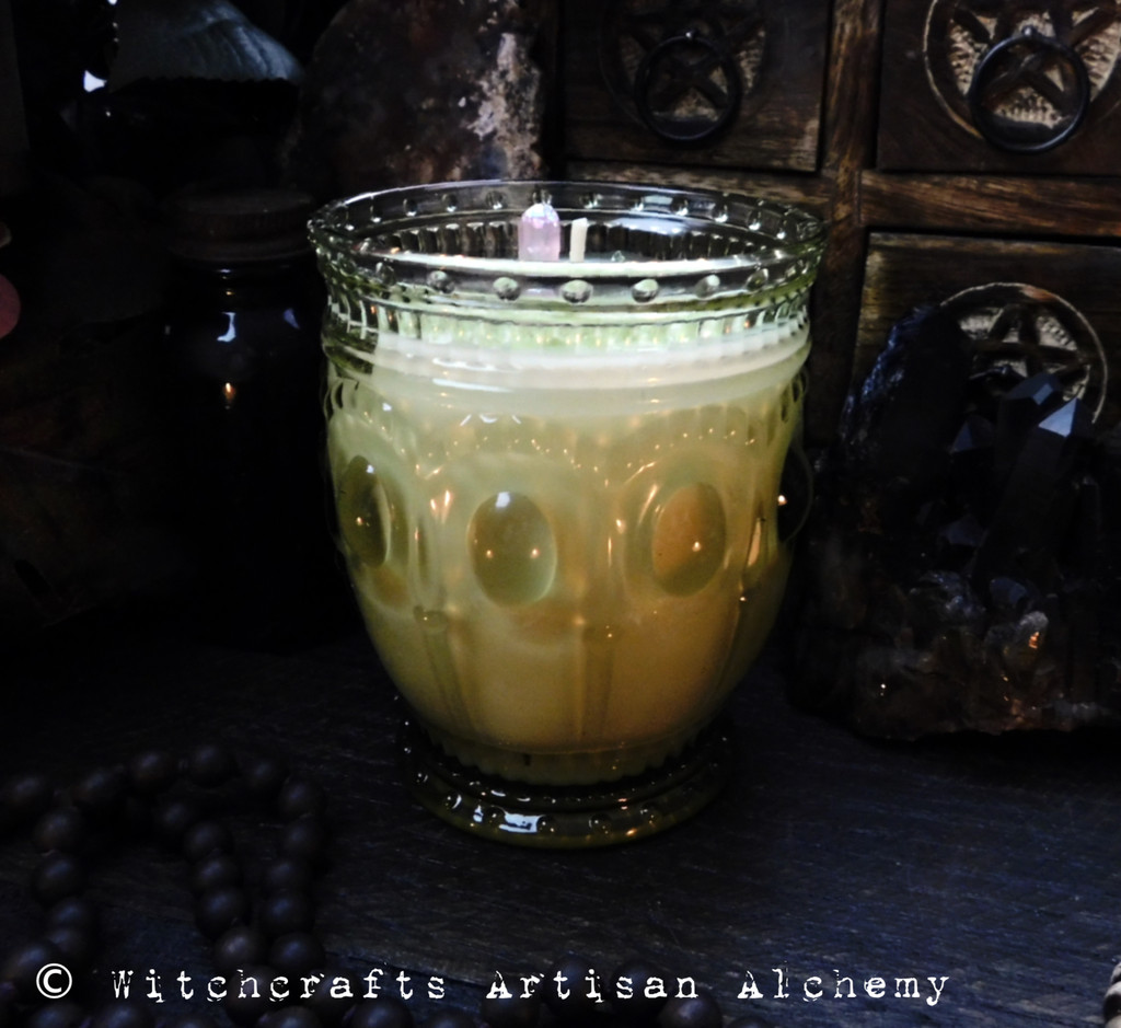 """DANU Coco Apricot Crème Luxury Wax """"Heirloom Heritage"""" Green Glass Container Candle"""