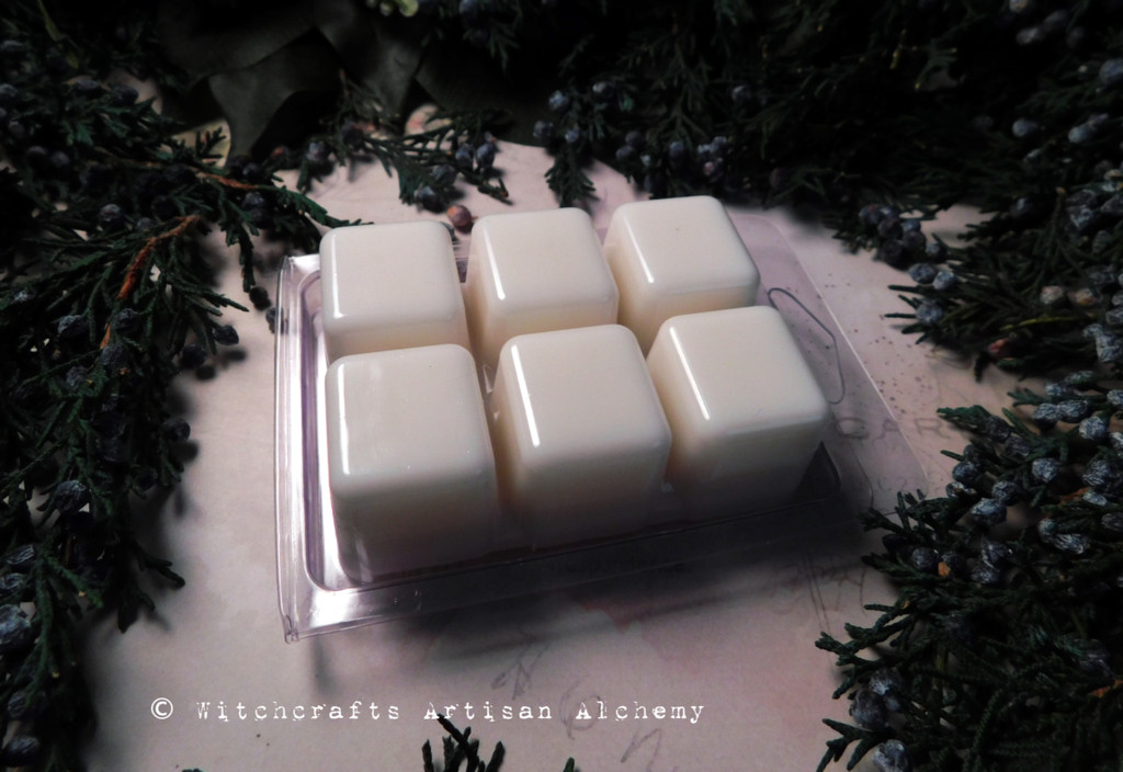 WINTER MAGIC MOON Highly Scented Artisan White Soy Paraffin Wax Blend Clamshell Melts