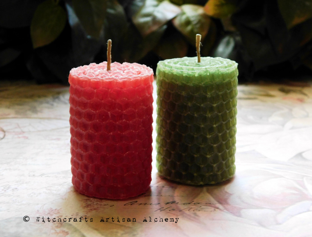 FLORA Natural Hemp Wick Hand Rolled Terra Cotta Red and Avocado Green Honeycomb Beeswax Knubby Spell Candles, One Pair