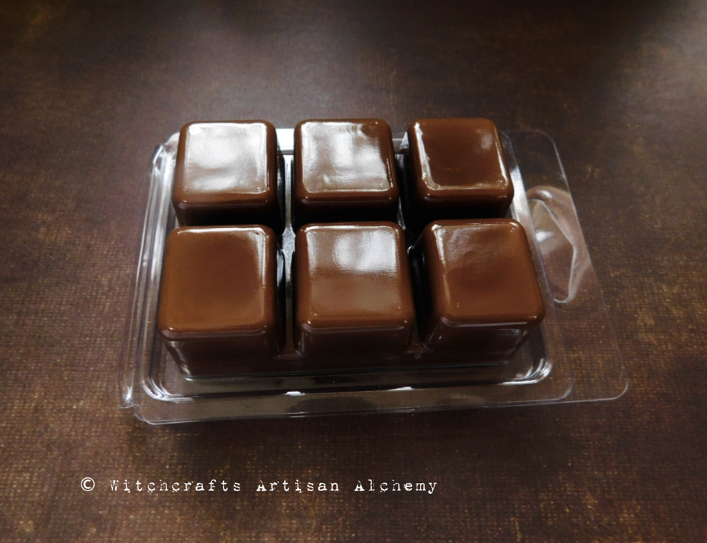 CLOVE SELECT Essential Oil Highly Scented Dark Brown Artisan Soy Paraffin Wax Blend Clamshell Melts
