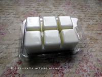 WHITE GODDESS Full Moon Magic Highly Scented White Artisan Soy Paraffin Wax Blend Clamshell Melts
