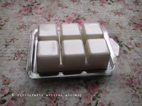 BOUDOIR Softly Blushed White Highly Scented White Artisan Soy Paraffin Wax Blend Clamshell Melts