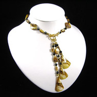 Brown Shell Necklace: Project Instructions