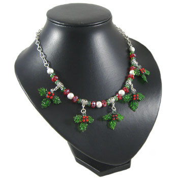 Christmas Holly Necklace: Project Instructions