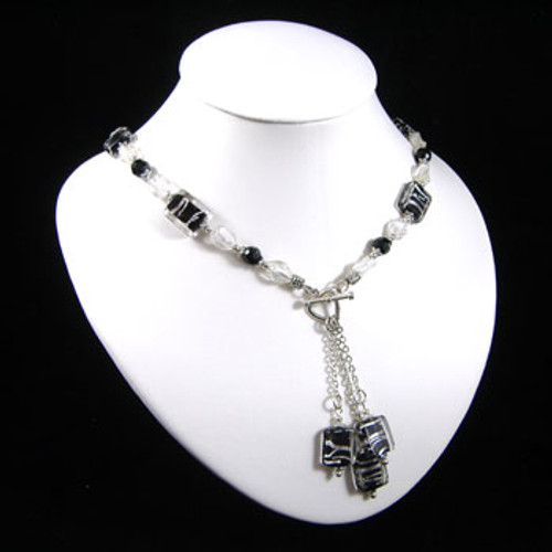 Black/Silver/Clear Drop Necklace: Project Instructions