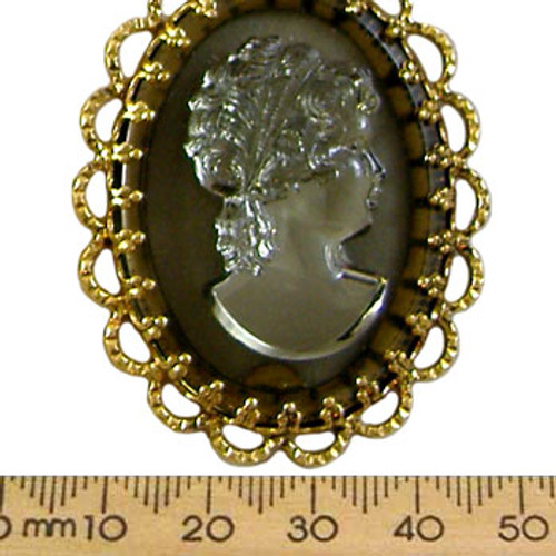 48mm Grey/Gold Lady Resin Oval Cameo
