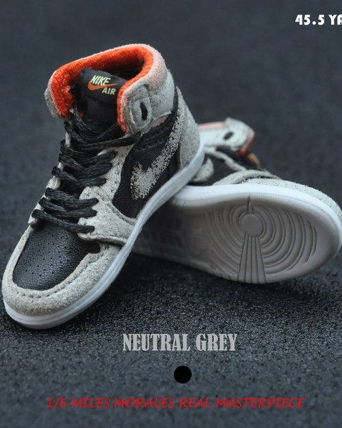 [BAN-1016A] 1/6 Master Series Sneakers in Neutral Grey & Black by Banned