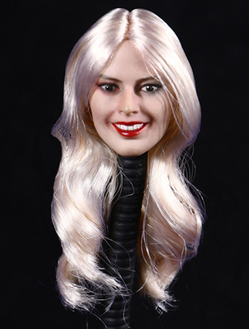 [DS-D010] 1/6 Female Head Sculpt with Blond Hair by DS Toys