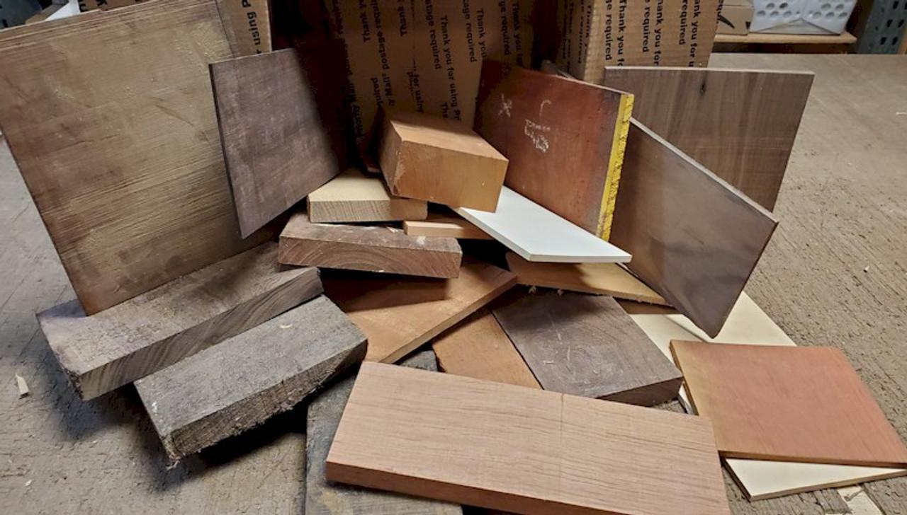 Assortment Hardwood Box 15lbs