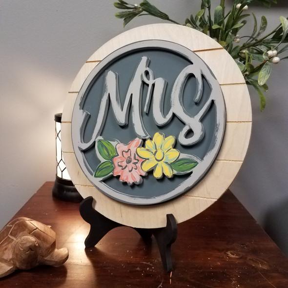 Mrs Stackable Marriage Circle Easel Kit, Engraved DIY Craft Decor Set