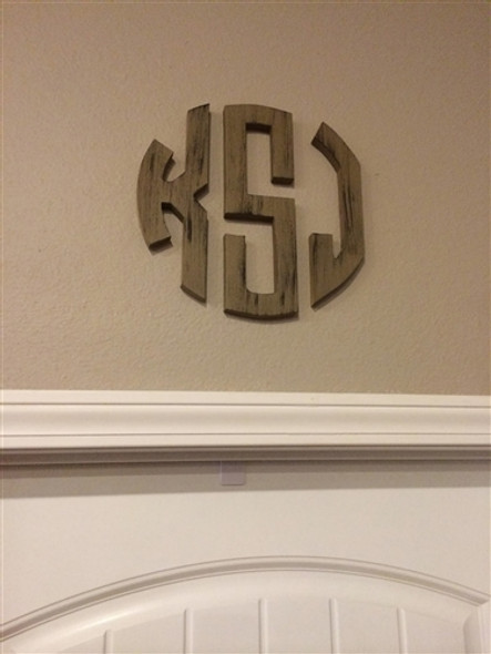Unfinished Circle Wooden 3-Alphabet Letter Monogram Wall Decor Cutout